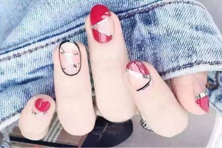 指甲上有竖纹是怎么回事,教你改善指甲竖纹的方法