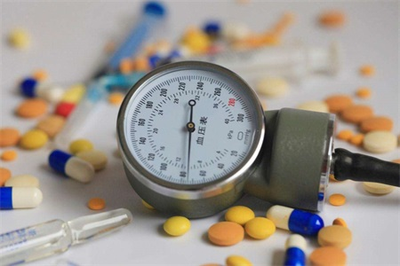 高血压如何降压?患者要谨记擅自停用降压药危害很大