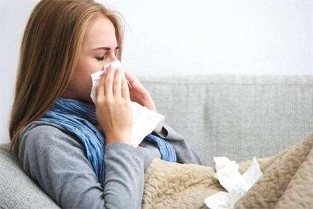 肺炎的症状有哪些?感冒和肺炎有何差别?女性千万别忽视病情
