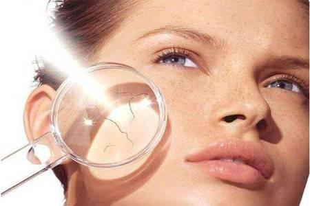 晒伤后皮肤发红怎么办 三种恢复女性皮肤的方法