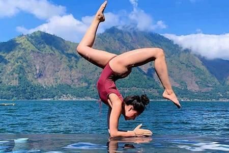 女人为什么一定要练瑜伽 新手怎样从零开始练瑜伽