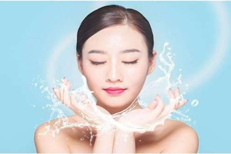 皮肤干燥起皮怎么办,春季护理皮肤补水保湿的五个方法