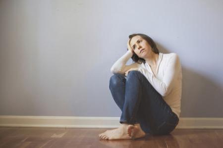 女性焦虑症的表现症状,六千万患病者遭受精神困扰