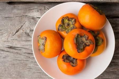 柿子不能和什么一起吃?柿子的功效与作用禁忌
