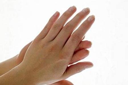 指甲上有竖纹是怎么回事?指甲竖纹多注意是疾病的征兆