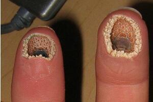 超恶心的空手指是什么 手指上七里嘴P的恶搞图