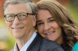 比尔·盖茨离婚内幕爆料 沉迷女爱