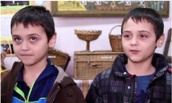 """乌克兰小村庄有61对双胞胎 成""""双胞胎村"""""""