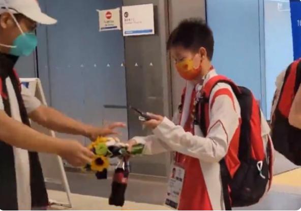 奥运冠军也是干饭人!全红婵1周吃胖了3斤,教练:孩子需要长个