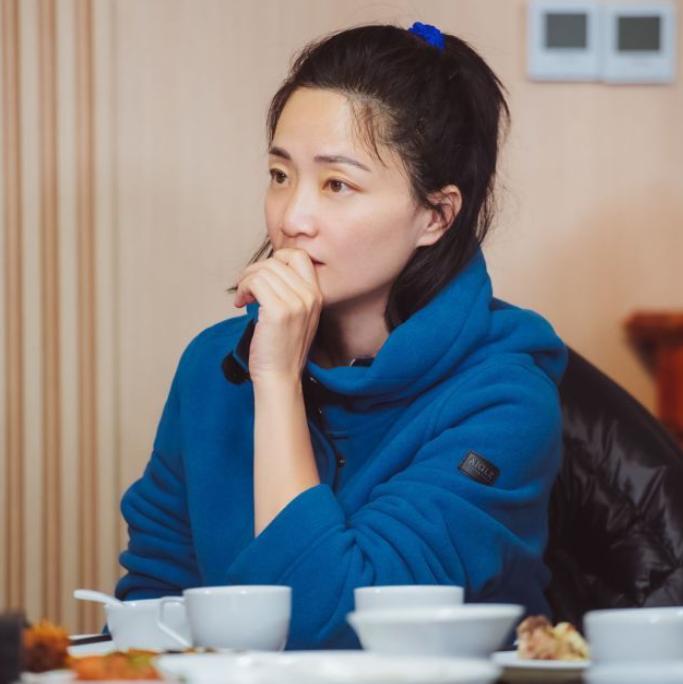 """《再见爱人》持续热播 郭柯宇被称为""""宝藏姐姐"""""""