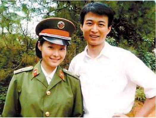 抛弃同居12年的袁立,闪婚小20岁的张怡宁,俩人认识仅3个月