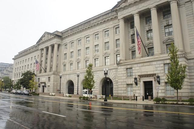 """滥用职权针对华裔大搞""""反间谍""""调查,美国商务部一部门将被撤销"""
