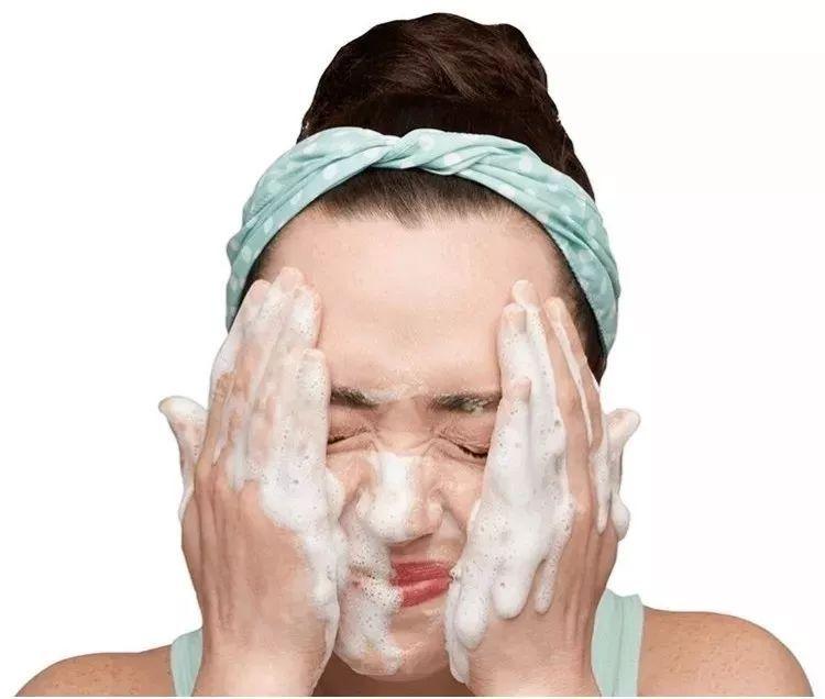 3个护肤误区很有可能让皮肤变比较敏感!