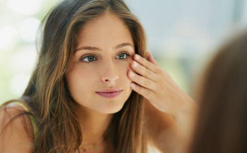 头发毛躁的原因是什么?该如何改善比较好?