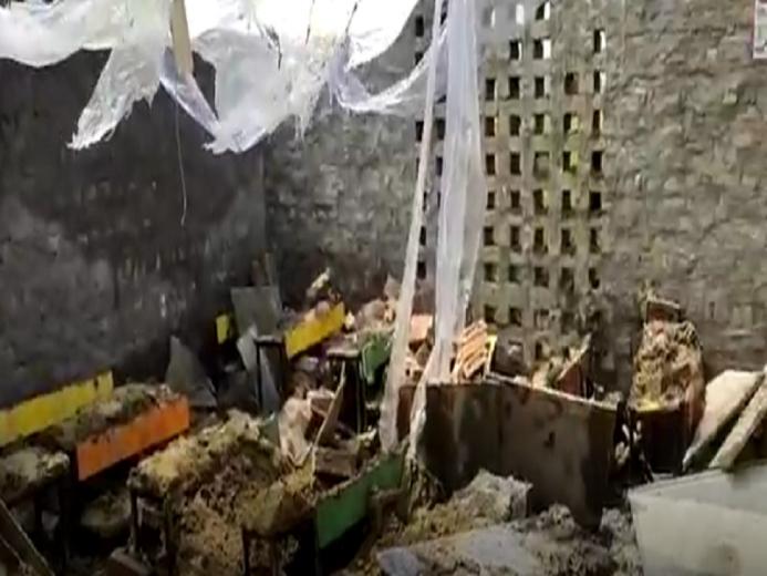 印度哈里亚纳邦一学校屋顶坍塌,5名学生情况危重
