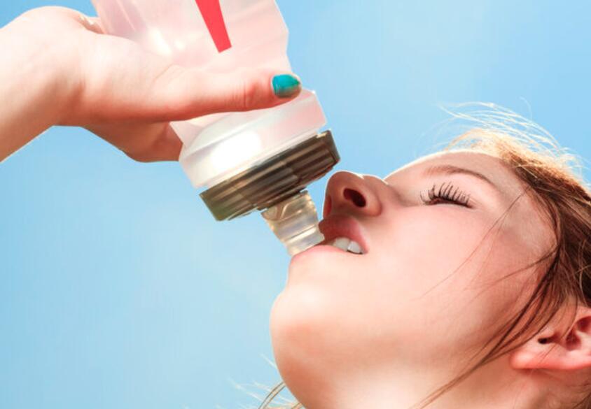 运动饮料的真相:一瓶就让减肥功亏一篑!