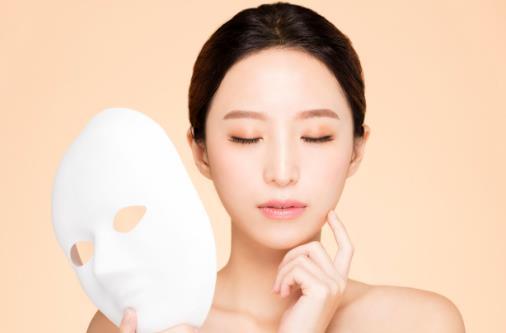 面膜敷完需不需要洗脸 日常效果翻翻的敷面膜法则
