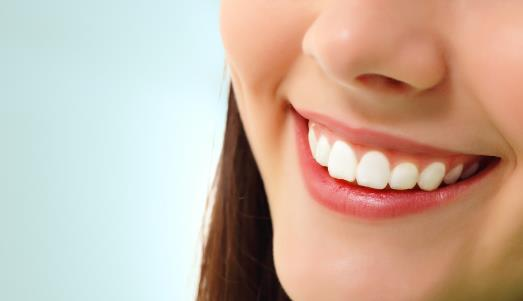 牙齿美白8个最好方法 损害牙齿的2个坏习性