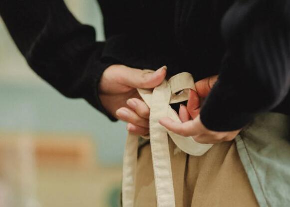 变时髦,你只需要一根绳子绑绑绑