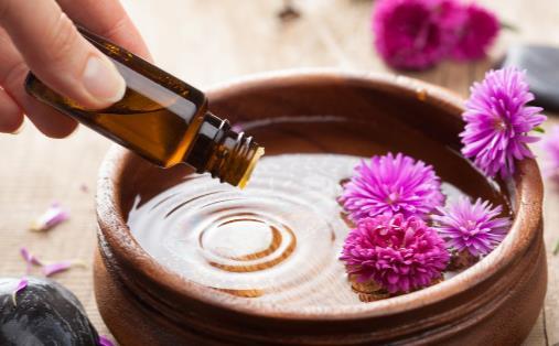 檀香精油的美容功效 檀香精油护肤正确方法分享