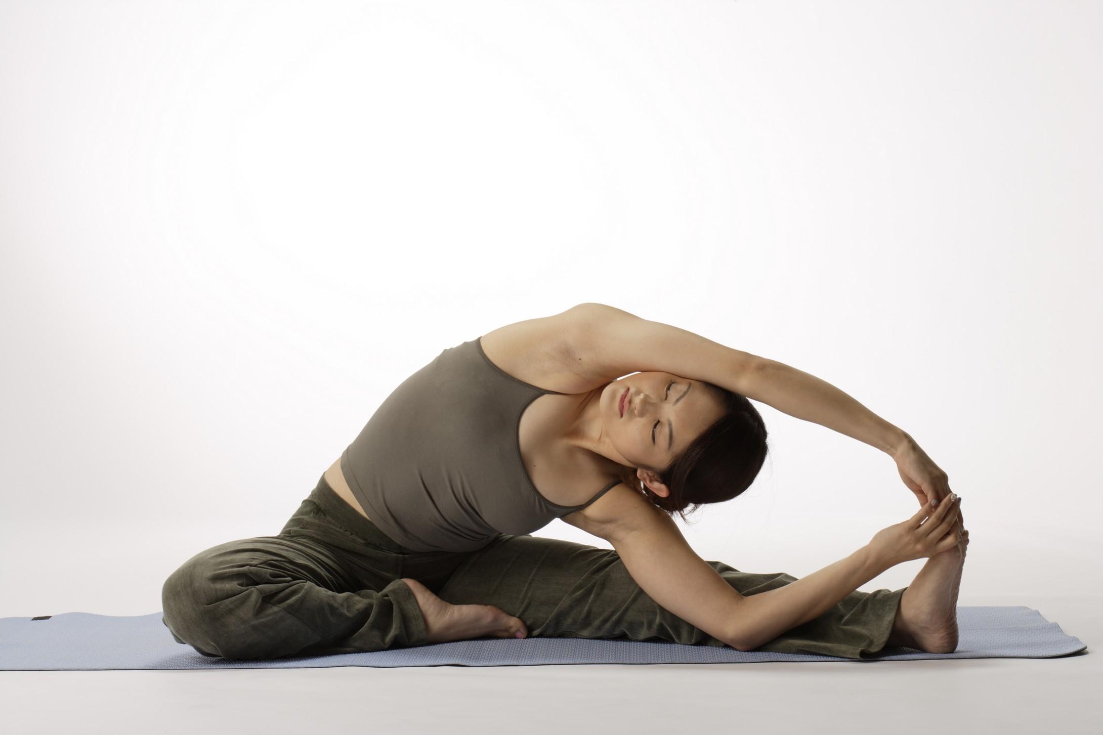 瑜伽减肥效果好 为你介绍几个超级有效的瑜伽减肥动作