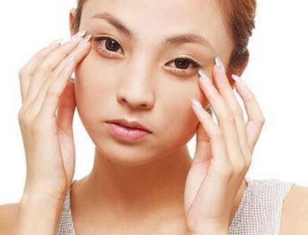 女人最怕脸上长斑点?别慌,教你6招远离斑点!