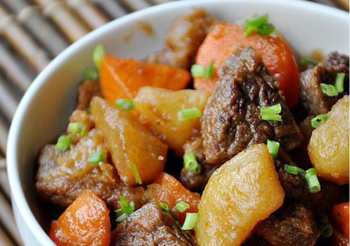 土豆烧牛肉的做法 土豆烧牛肉怎么做