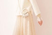 杏色长纱裙搭配 杏色纱纱裙配什么上衣