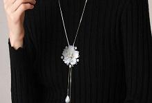 冬季毛衣和项链的搭配方法 毛衣项链搭配